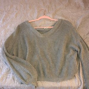 Gray BP cropped vneck sweater